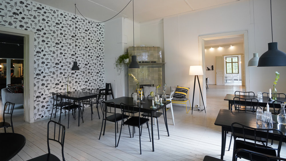 Cafe Monami - Linnapuisto