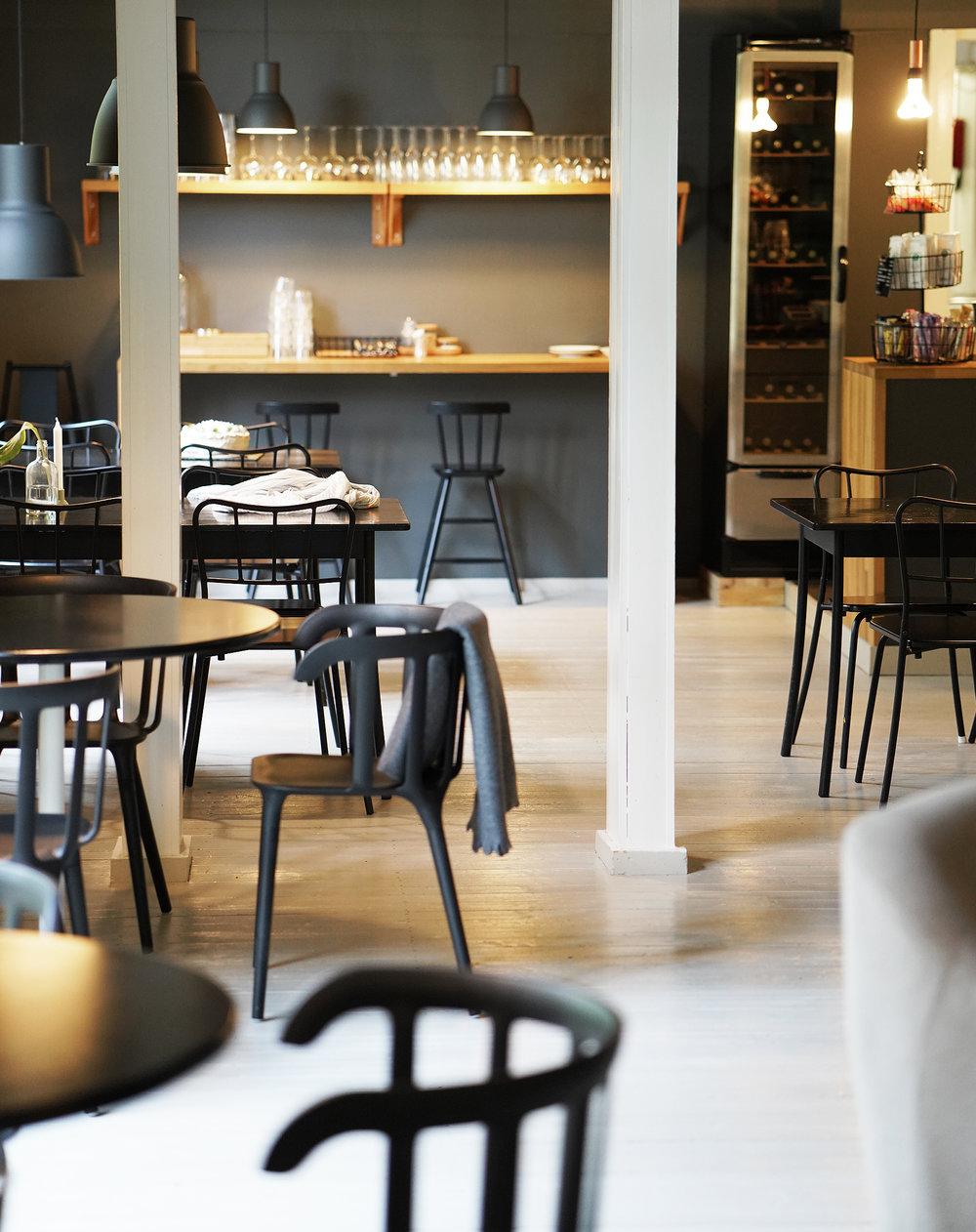 Cafe Monami - Kahvila-sali 4