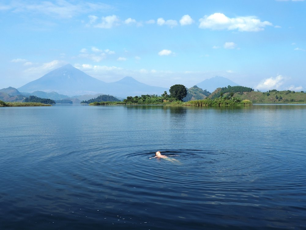 Swim+the+lake++@+mutanda+lake+resort+virunga+volcano+uganda.jpg