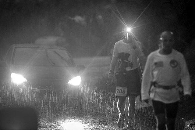 Despite the torrential rains and downpour, our heroes keep going, even with a smile!!! Epic pictures from @lauralumleyellis during #spartathlon2018 #splashtathlon  Keep it up @worldofjames and @d_strachan!!! You're so close!!!! #energy #runners #running #ultramarathon #vegan #ultrarunning #spartathlon #race #ultrarun #support #bluecorn #pinole #nutrition  #continuethelegacy @azurefood