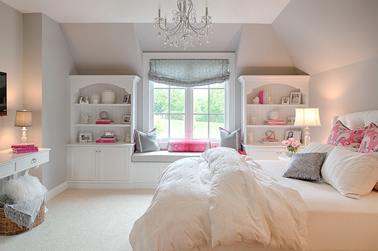 This girls room is just perfect!I prefer adult furniture in kids rooms, they can move out with it when the time comes!  Via  Decorpad
