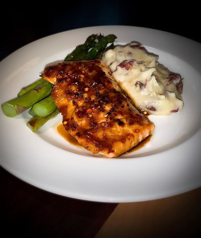 Try our Bourbon Glazed Salmon paired with asparagus and white cheddar mashed potatoes..... it will not disappoint! #chatteats #eatlocal #seafood