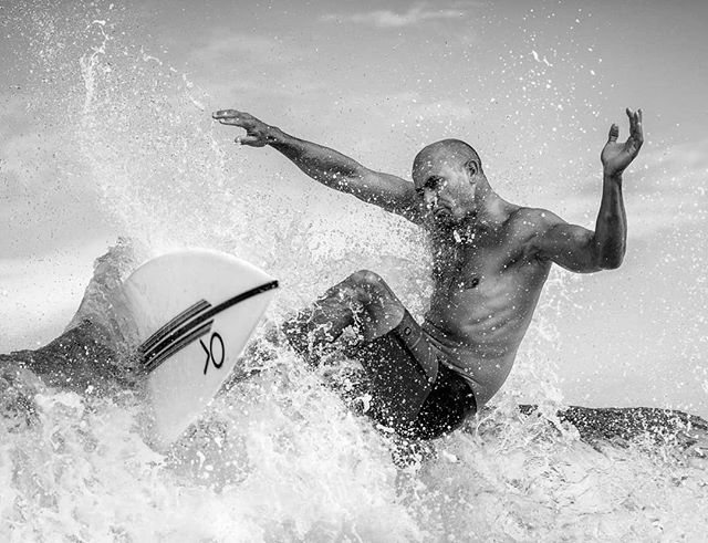Many moons ago, reading about #surfphography in the #water. I looked at pictures from @brianbielmann and @zaknoyle with awwwhh. Tried to picture myself in the #waves. Never would I have ever imagined I be able to shoot #kellyslater in the water. I'll always keep pushing my work to higher levels and as some know I'm not quickly satisfied with my work but I have to be honest and enjoy this moment. Many thanks to @frankruiterphotographer @michaelclarkphoto @toksuede @mattcohenphoto @marcdeurloo for keeping me honest. And thanks @kellyslater for allowing me so close. I'm honered.#surf #surferphotos #northshore #beach #waterphotography