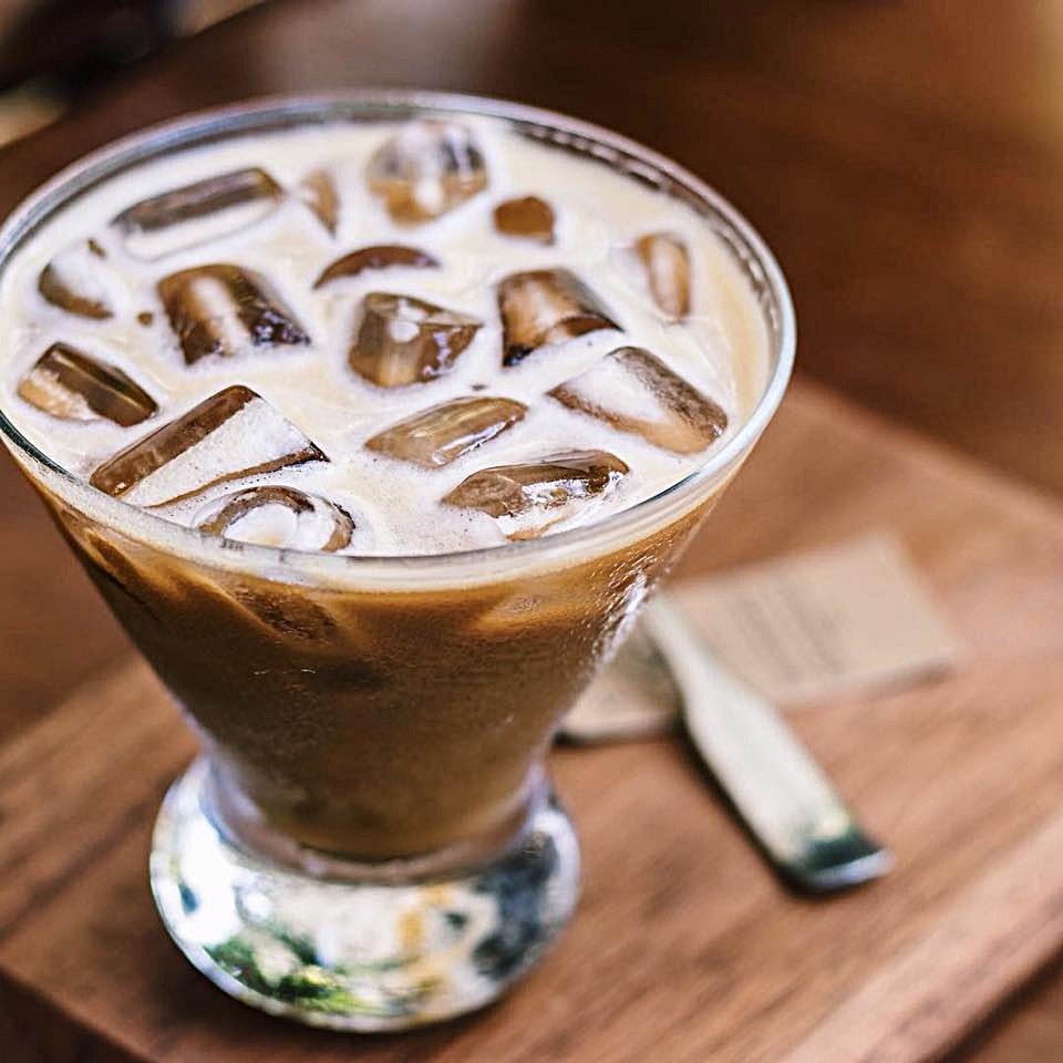 sweet shake - Combining double shots of espresso, condensed milk and ice, then shaking until a forth forms when poured.