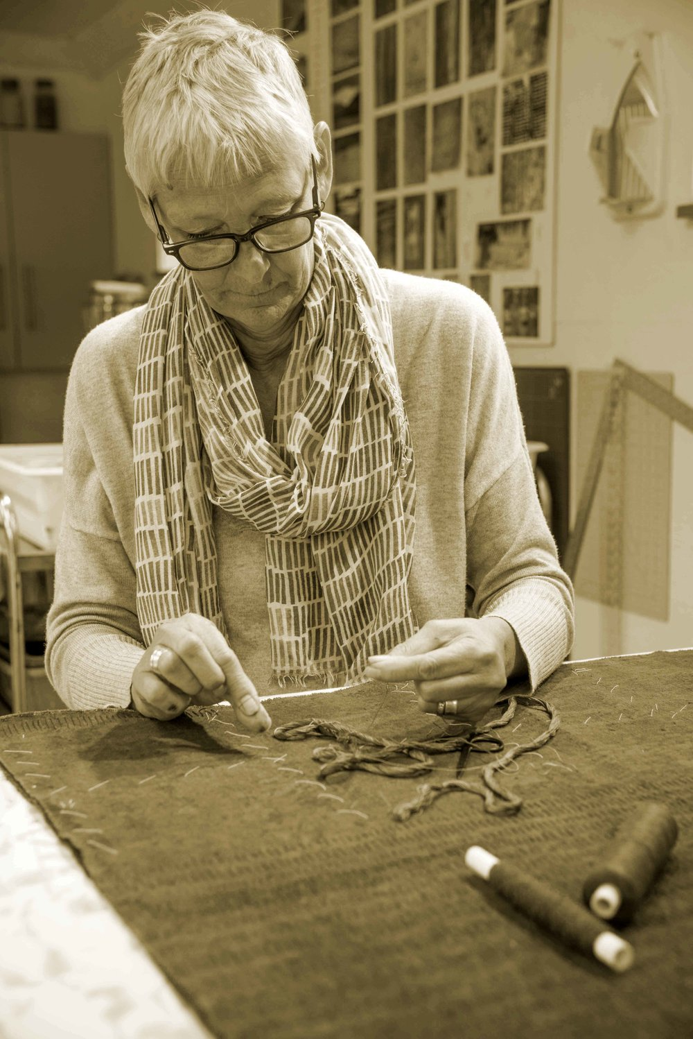 Claire Benn making textile art 6006.jpg