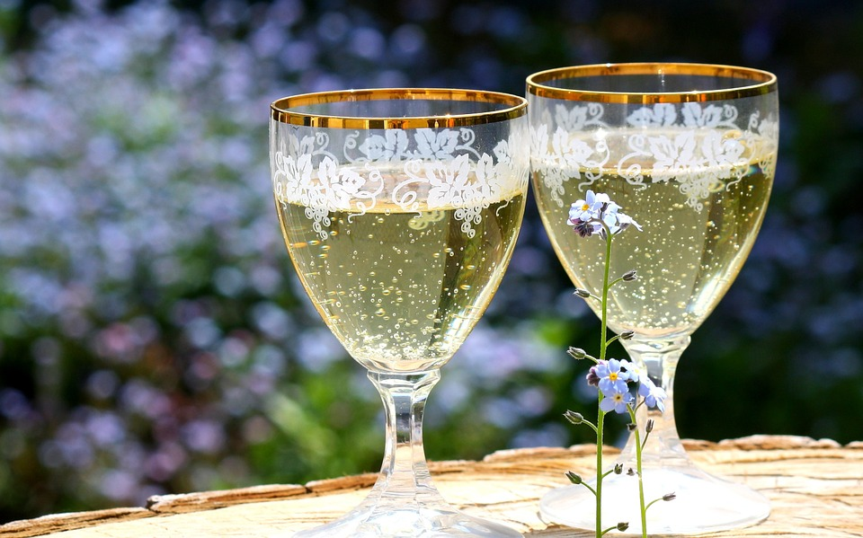 champagne-736773_960_720.jpg