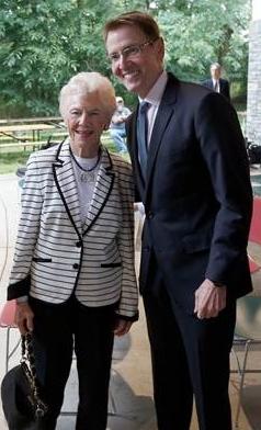 Former Vice Mayor Isabel Yates and Mayor Jim Gray