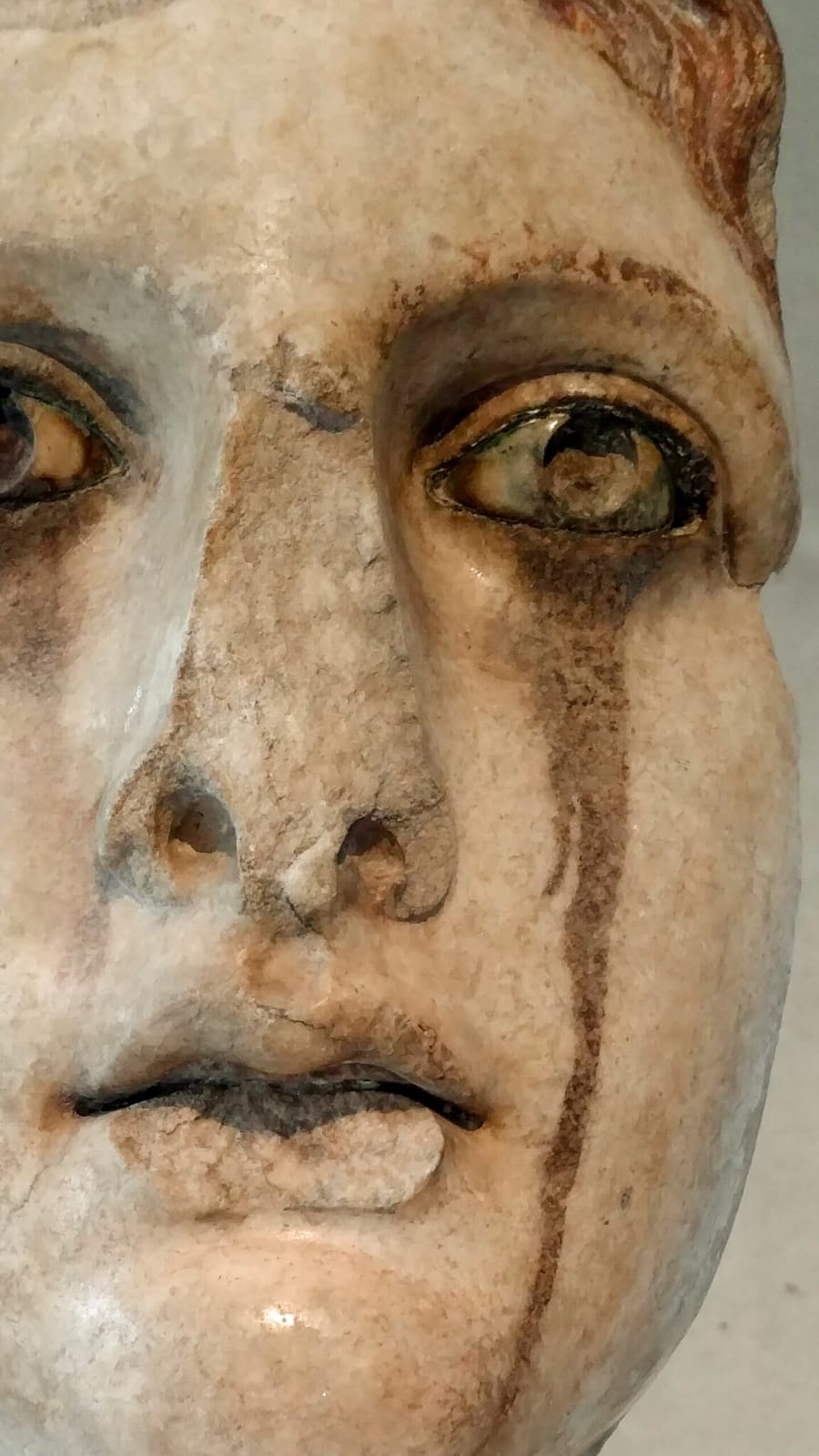 1_Statue Crying_Acropolis Museum.jpg