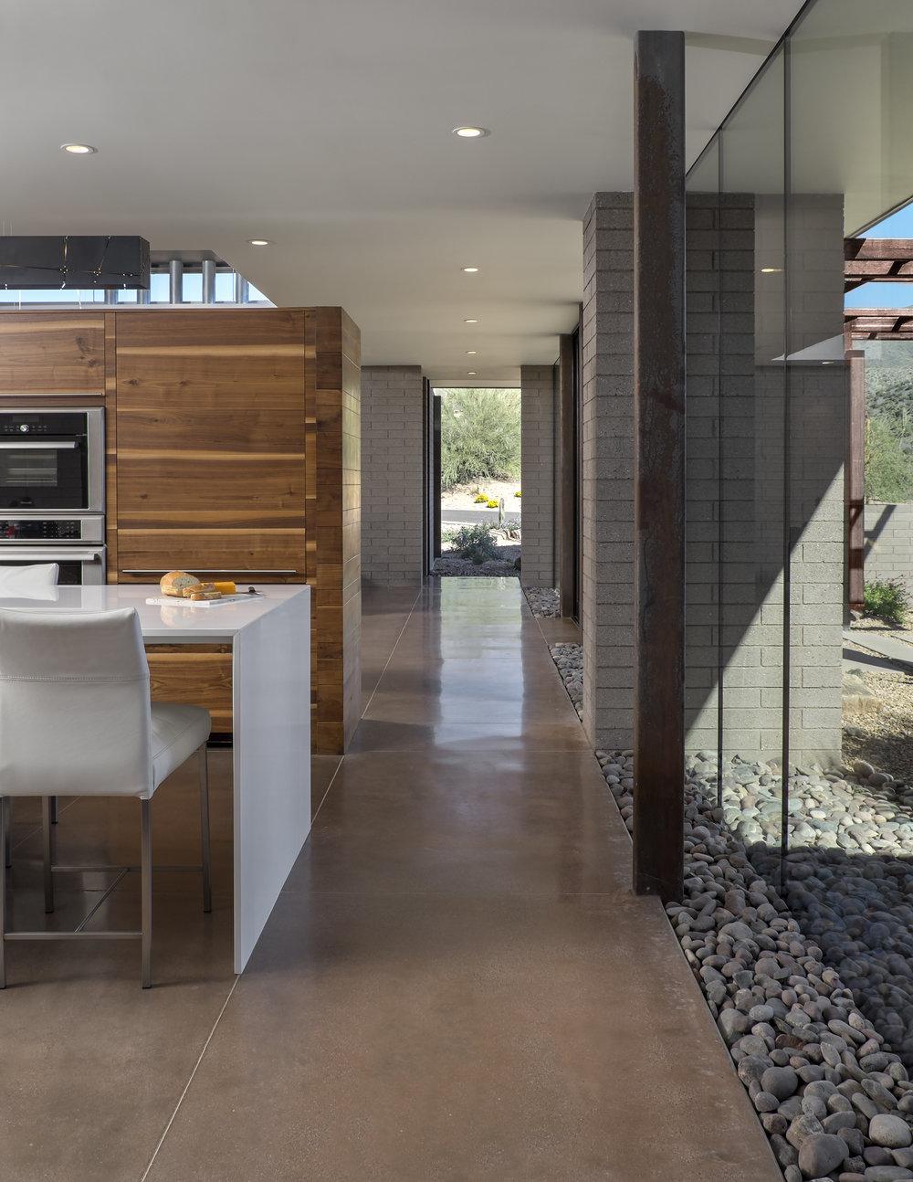 0005 - Kitchen Hallway.jpg