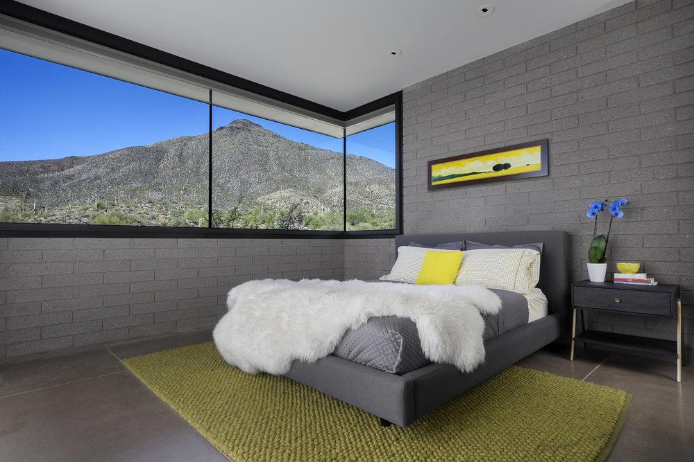 0011 - Bedroom.jpg