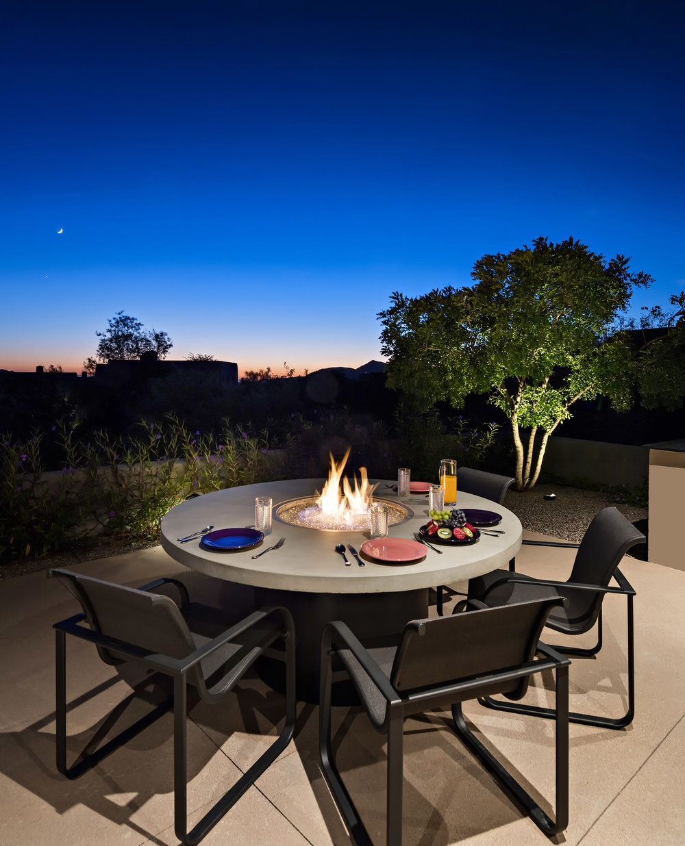 0034 - Patio Dining.jpg