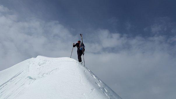 backcountry-skiiing-2289970__340.jpg