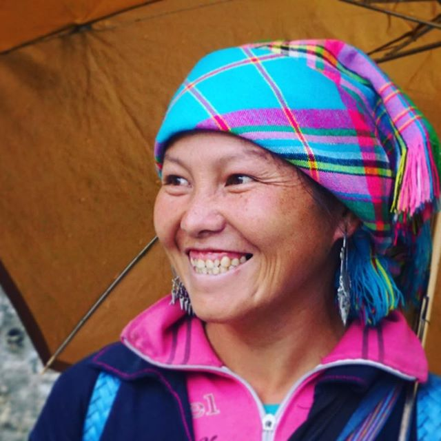 The international language 😊 #smile #vietnam #lady #tribe #village #tribal #sapa #southeastasia #asia #colour #traditional #portraitphotography #portrait #beautiful #woman #wayakena #mytinyatlas #letsgosomewhere #dametraveler #welltravelled #travelstoke #stayandwander #travelawesome #theglobewanderer #lonelyplanet #roamtheplanet #exploremore #bbctravel #traveldeeper #exploringtheglobe