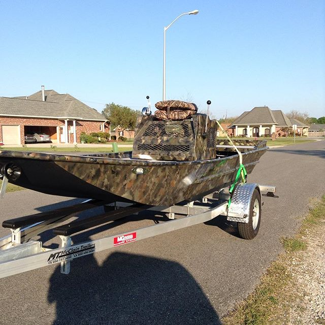 Nice clean boat headed to show this weekend