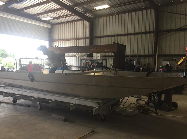 This boat is a 2072 with the single boss hoss drive application...currently in the works✔️🇺🇸