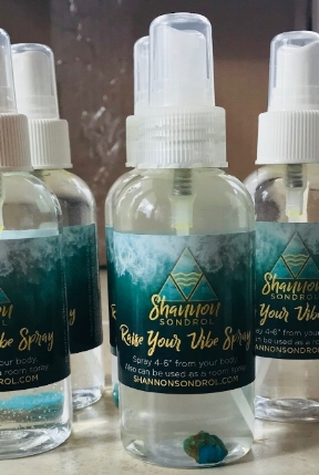 MY HOMEMADE SPRAY IS MADE WITH A BLEND OF PURE, ESSENTIAL OILS IN ORDER TO RAISE THE VIBRATION AROUND YOU. YOU CAN USE THIS SPRAY AS A BODY SPRAY OR AS A ROOM SPRAY FOR YOUR SPACE. THIS SPRAY HELPS TO CLEAR NEGATIVE ENERGY AND HELPS TO ELEVATE YOUR MOOD AND EMOTIONS BACK TO HIGH VIBE.