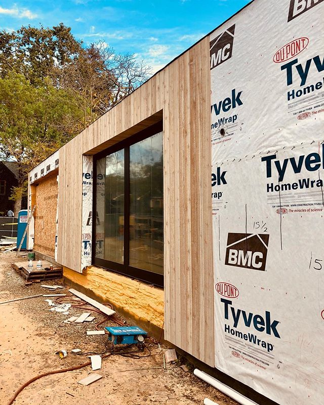 It's starting to finally look like we're towards the end!! @real.cedar is being installed and we're aiming for completion of the siding in three week!! . . . #bridgehousela #modern #architecture #design #losangeles