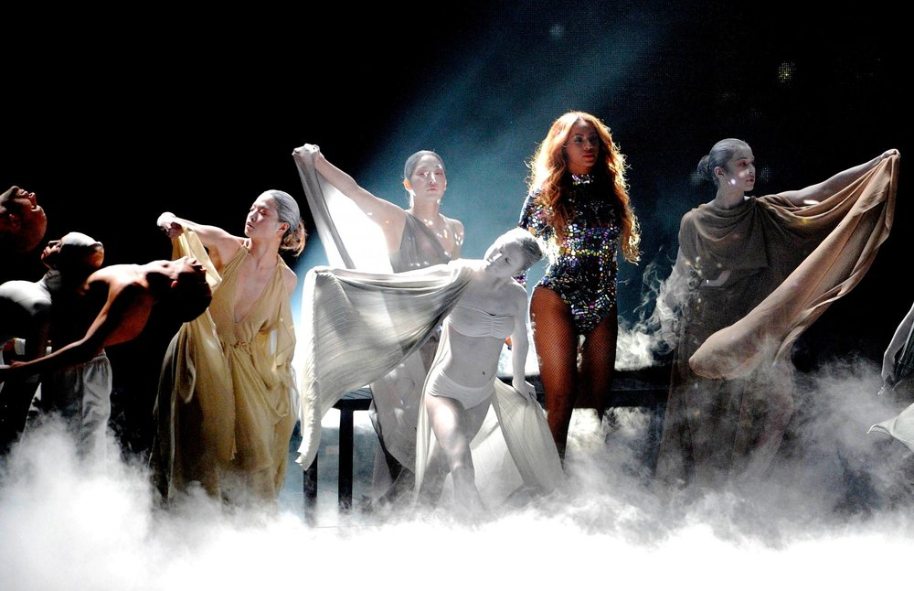 5. Lynhthy - Beyonce MTV VMAs - (Performance 2).jpg