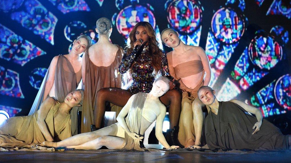 1. Lynhthy - Beyonce MTV VMAs.jpg