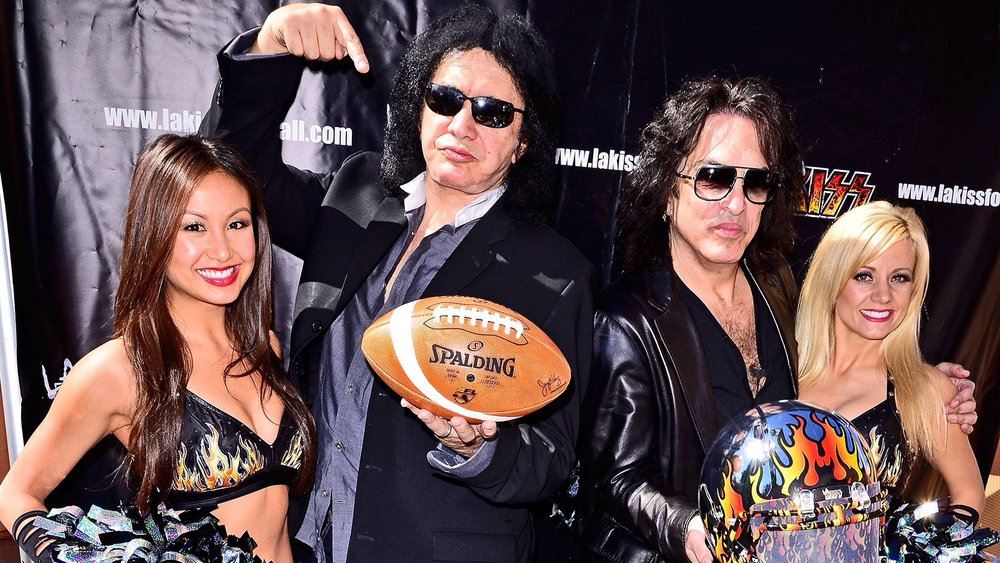 1. Lynhthy - LA KISS Football - Gene Simmons & Paul Stanley.JPG