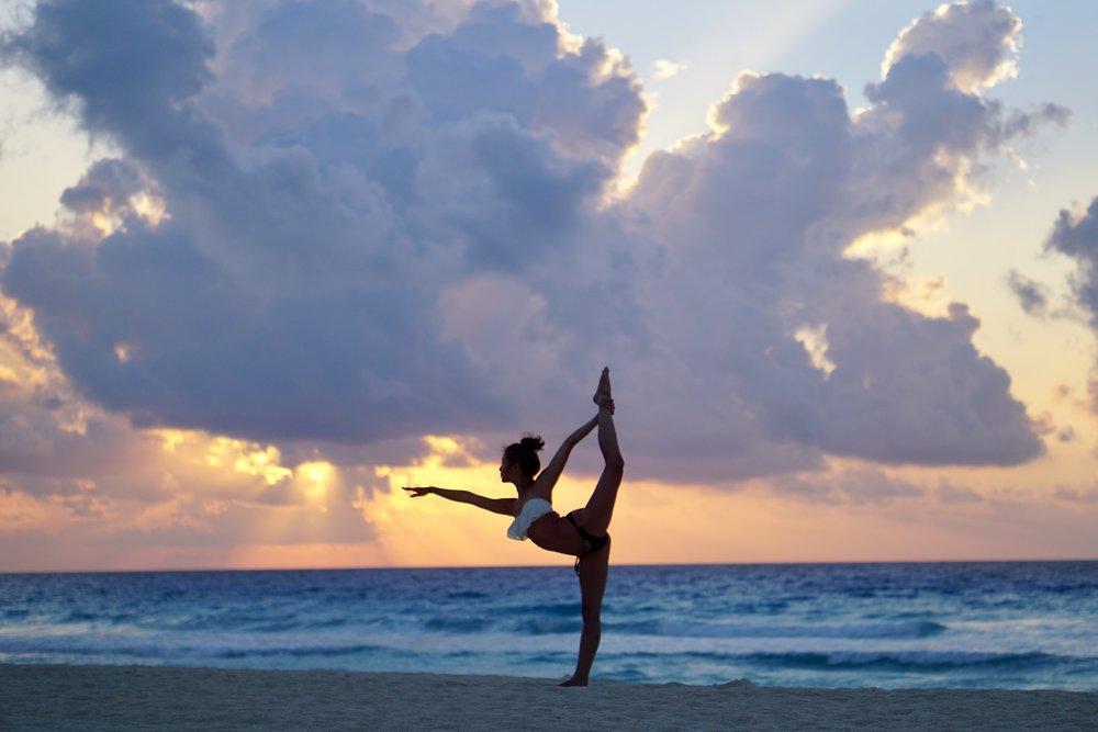 1. Lynhthy - Cancun Yoga (Dancers Pose).jpg