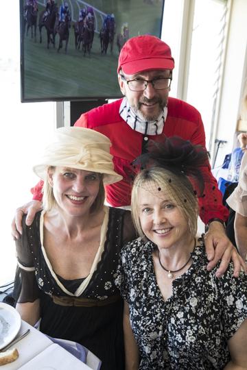 Sheelagh Hare, Madeline Mulder and John (the jockey!)