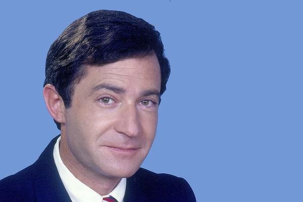 A young Steve Liebmann, as a Newsreader at Channel 10.
