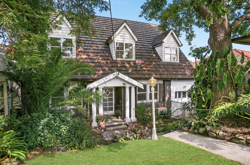 16 I  nkerman St, Mosman, was purchased by Cohen Handler in March 2017 for $3,050,000.