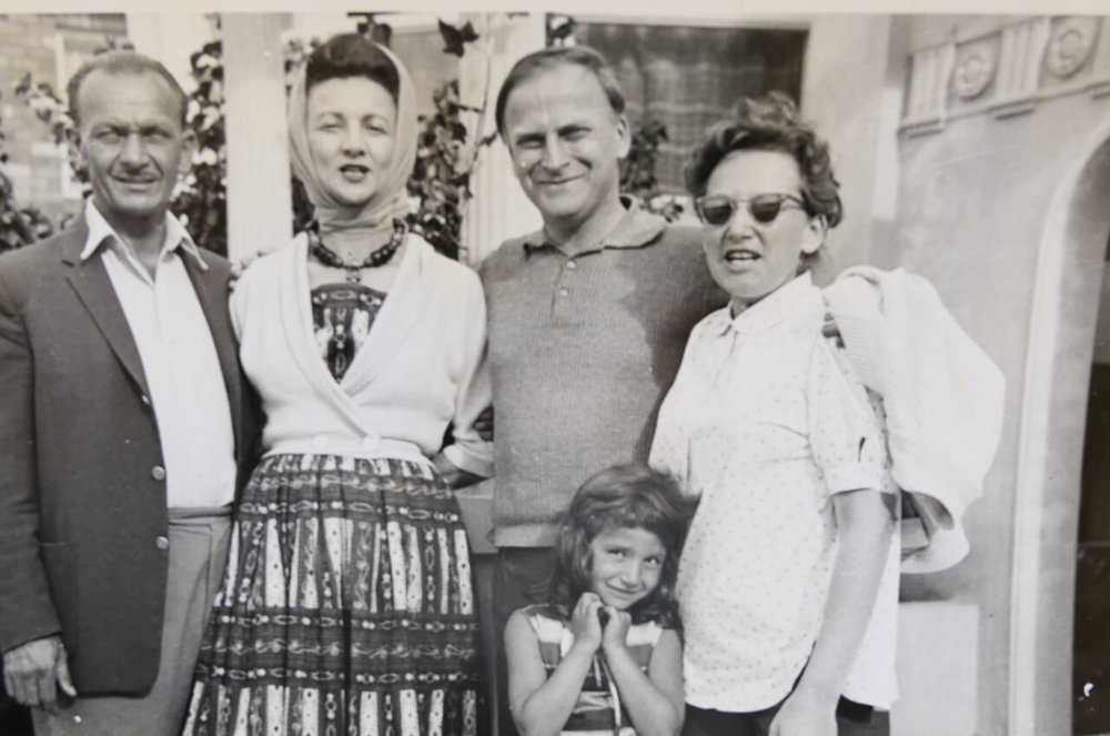 Vivian Chalwin with pianist Hephzibah Menuhin and her family.jpeg