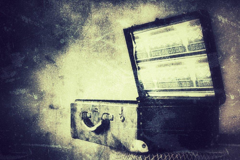 Secret+in+the+Suitcase 2.jpg