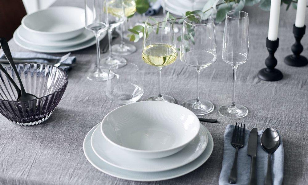 Carmen - De kantede glas er med det smukke og funktionelle design enaf erik bagger a/s' mest solgte glas-serier.