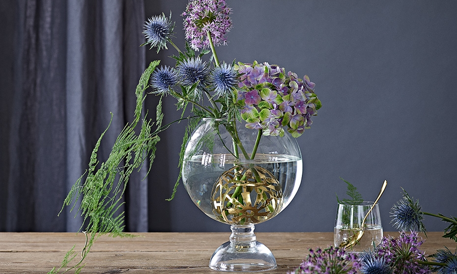 In Bloom –Lush & Lovely - Dorthe Kvist has designed the Lush & Lovely vase, which gives you the opportunity to arrange your flowers exactly the way you want.