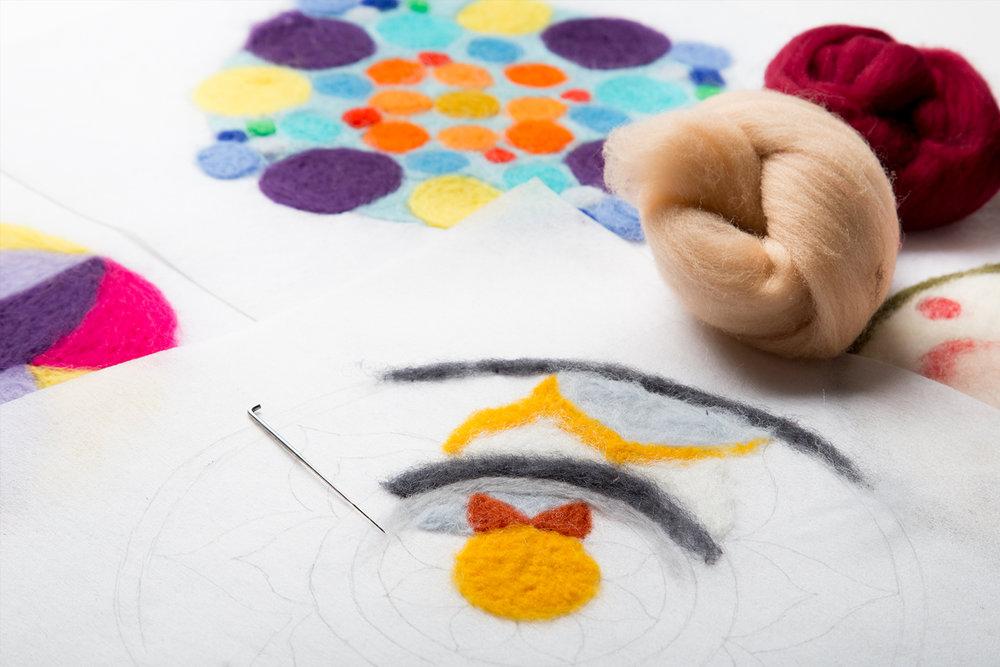 MARAVIQUETEVÍ www.mariquetevi.com                   @MARIQUETEVI .... Creo móviles decorativos, hechos con mucho amor y dedicación, artesanalmente y sin prisas, con materias primas de gran calidad. El fieltro agujado me ha permitido introducir la lana en mis creaciones, aportando calidez, color y sonrisas. .. CREo MÒBILS DECORATIUS, FETS AMB MOLT AMOR I DEDICACIÓ, ARTESANALMENT I SENSE PRESSES, AMB MATÈRIES PRIMERES DE GRAN QUALITAT. EL FELTRE amb AGUlla M´HA PERMÈS INTRODUIR LA LLANA EN les meves CREACIONS, APORTANT CALIDESA, COLOR I SOMRIURES. ....