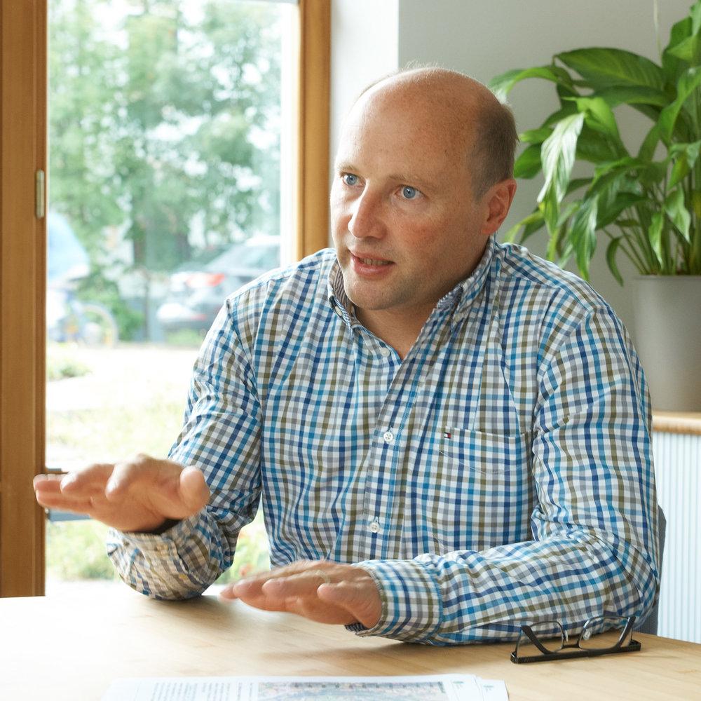 Bernhard Unterreitmeier - Geschäftsführer  · Dipl.-Ing. (Univ.) Bauwesen