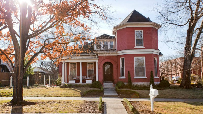 Airbnb  There are TONS of affordable Airbnb options in Nashville ranging from single rooms, or studio apartments, up to entire houses.