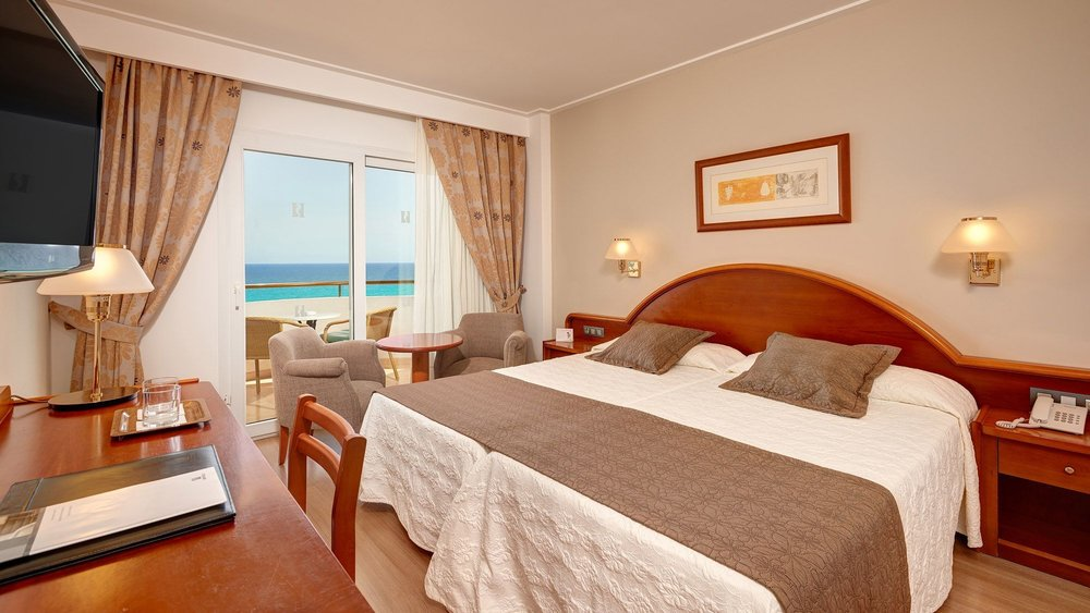 hipotels-hipocampo-playa-double-room-sea-view-2.jpg
