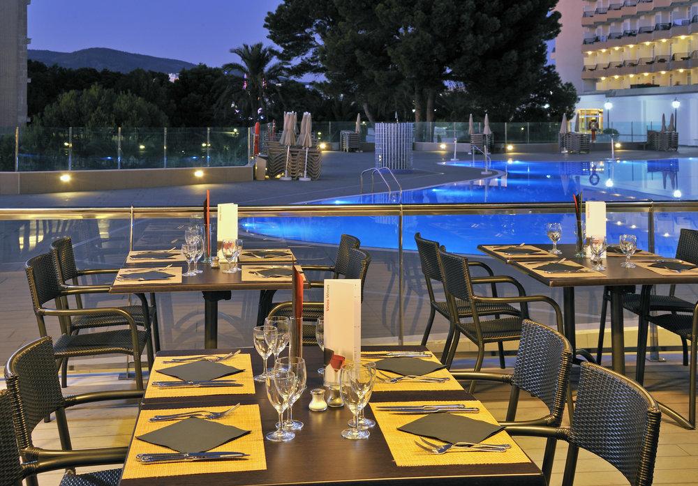 17SolBarbados-BuffetRestaurantTerrace.jpg