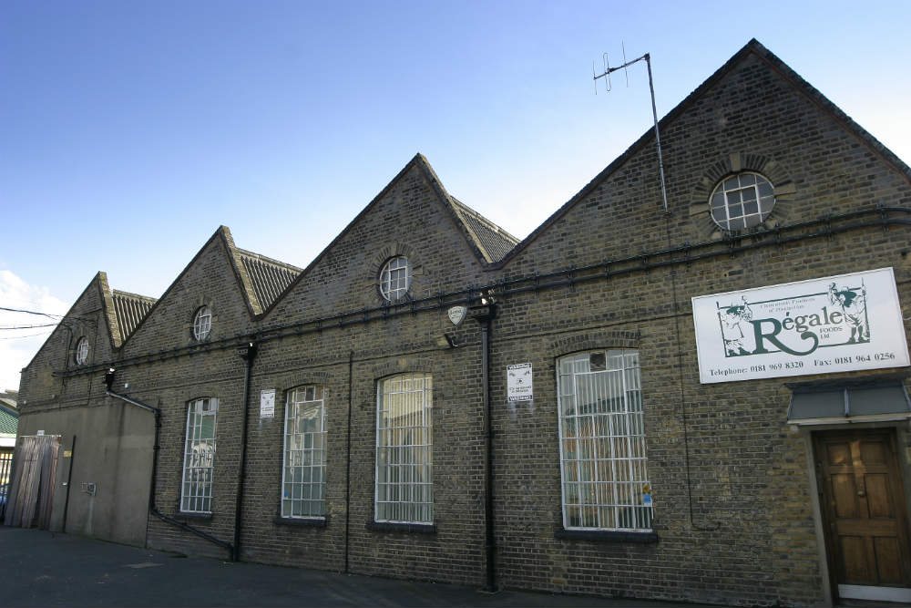 Brick warehouse in White City - NW London Commercial.jpg