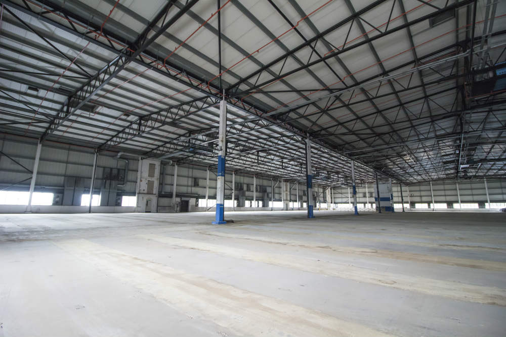 Titan Warehouse Internal Photo - NW London Commercial.jpg