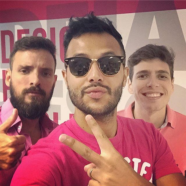 Tudo rosa por aqui 😊💻👍 #pinkday #estudiopp3 #branding #design #publicidade #pdv #redessociais #pink #lovemyjob #empreendedorismo #bomdia