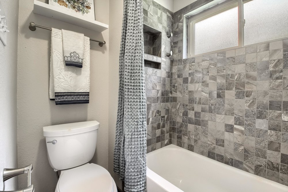 05_Master_Bathroom_IMG_2604.JPG