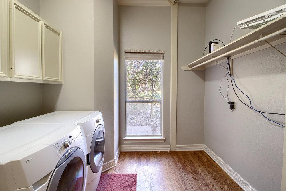 13_Laundry_Room_IMG_0587.JPG