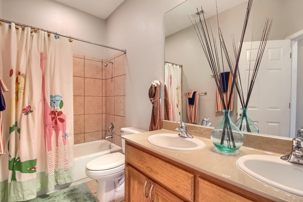 07_Bathroom_IMG_8126.JPG