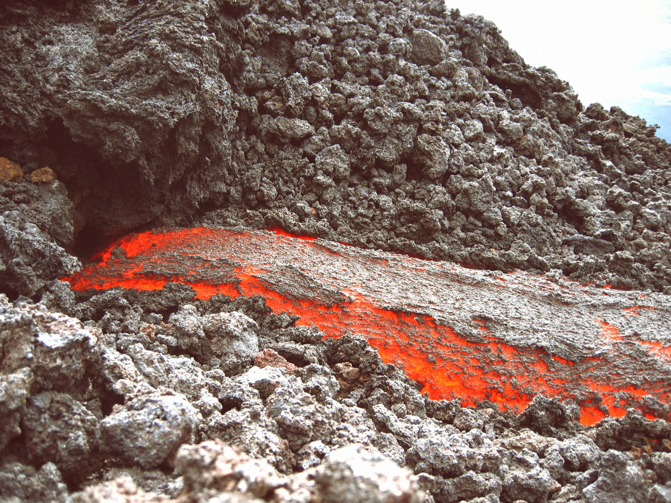 volcano-lava-magma