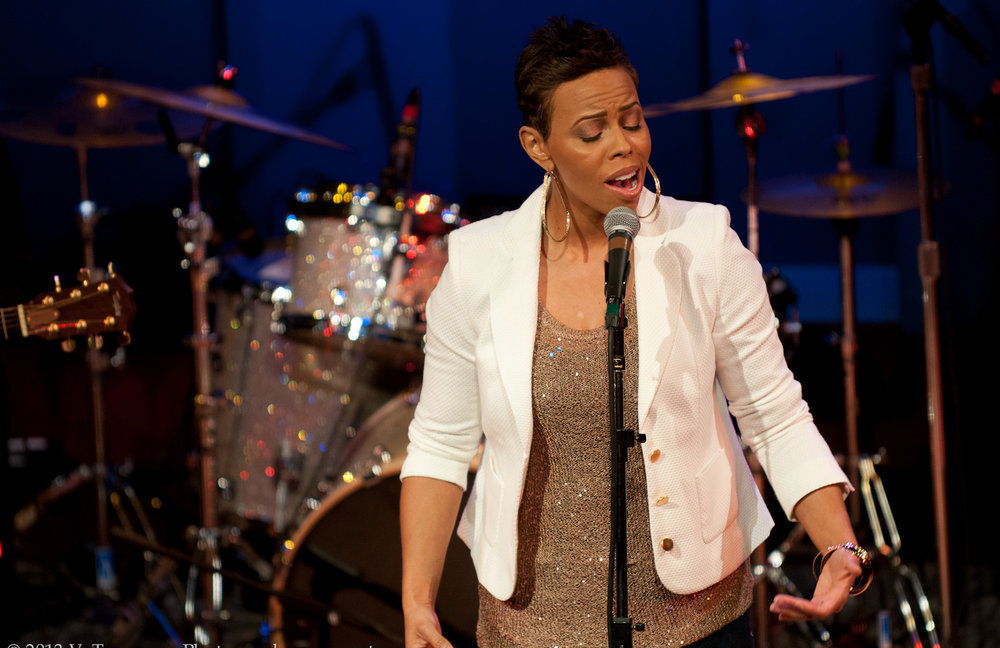 temika-moore-inspirational-soul-and-jazz-world-cafe-live-philly-VTP1071.jpg