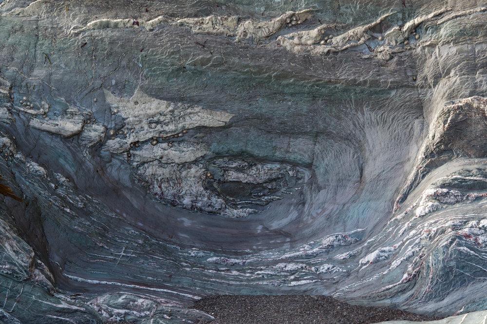 Circling rocks
