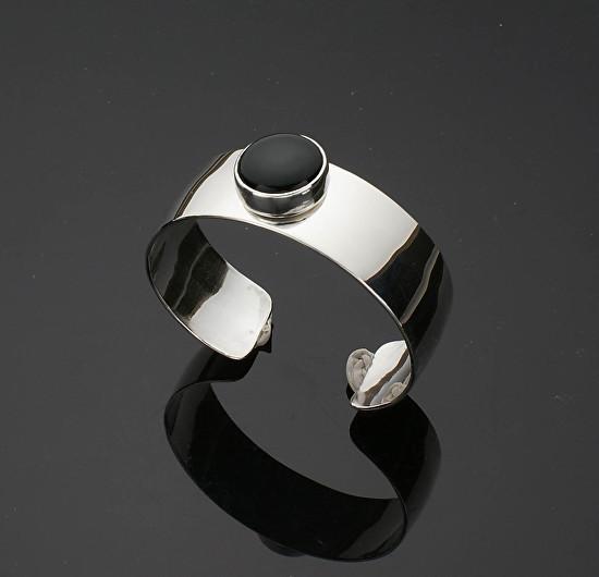 Round Black Onyx Cuff