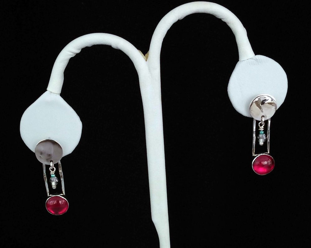 Hanging Ruby and Beads Earrings