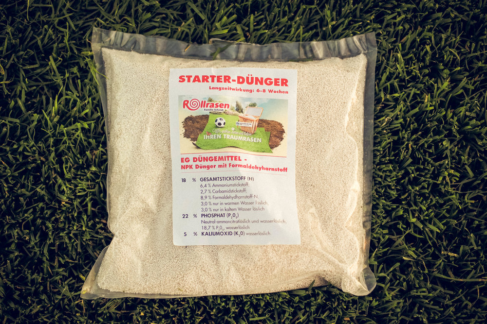 Dünger - Damit sich Ihr neuer Rasen schnell zuhause fühlt, haben wir den idealen Dünger. Der Dünger eignet sich zur Vorbereitung vor dem Verlegen, sowie zur weiteren Pflege.