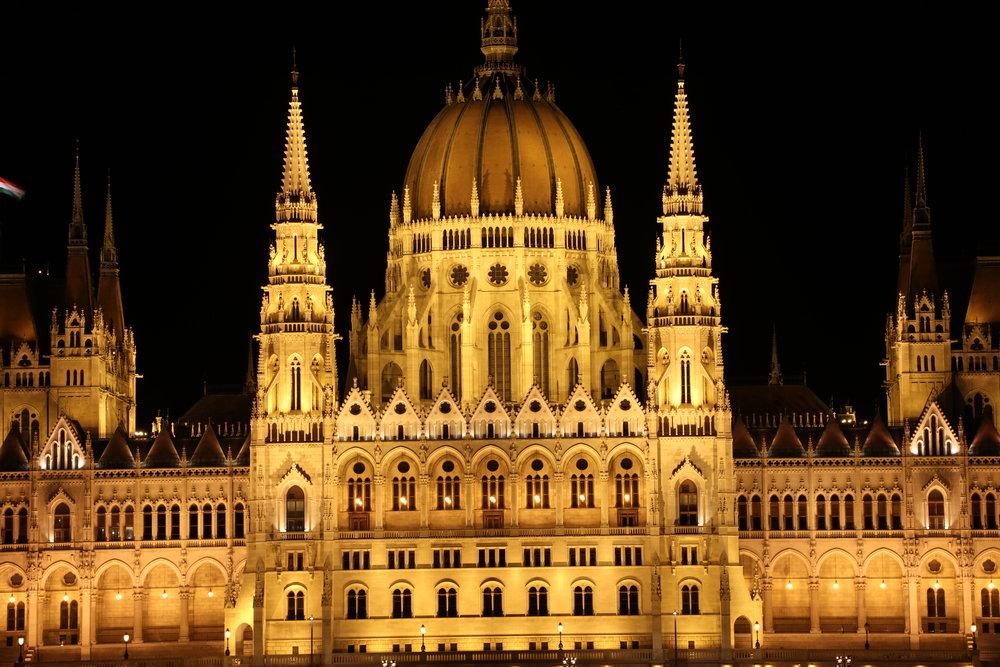 Budapest- Hungarian Parliament Night.JPG